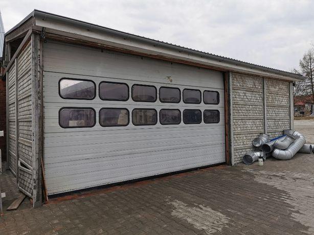Brama segmentowa garażowa,przeszklona,aluminiowa,izolowana CRAWFORD