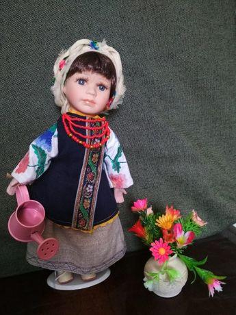 Украинский сувенир №54 фарфоровая кукла в народном костюме. украинка