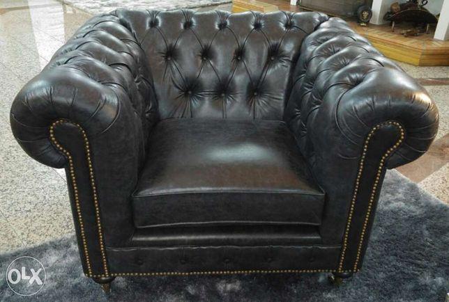 Sofa Chesterfield de 1lugar em pele envelhecida preto - Novo