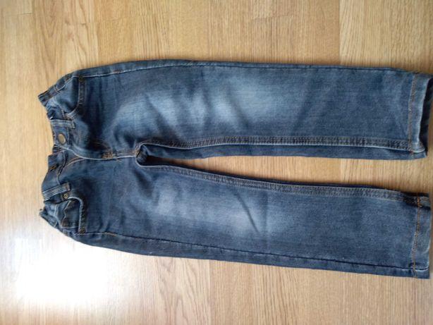 Jeansy dla chłopca na 104