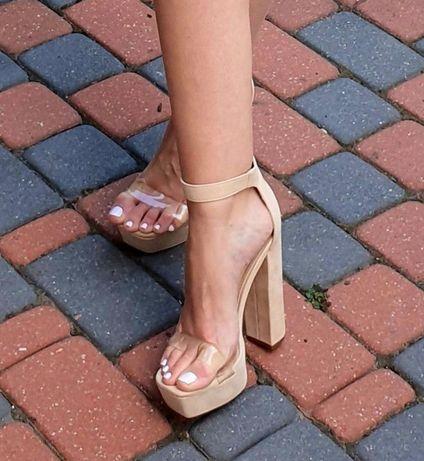 Sandałki beżowe na słupku rozmiar 36 Fashionnova wysokie 13cm