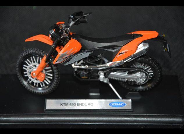 KTM 690 ENDURO model kolekcjonerski nowy WELLY 1:18