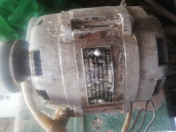 Двигатель 220в. Однофазный.