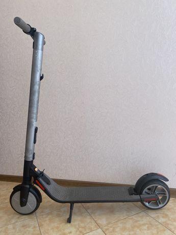 Скутер ninebot Es2