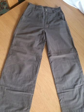 Spodnie na wiosnę i lato 10-12 lat