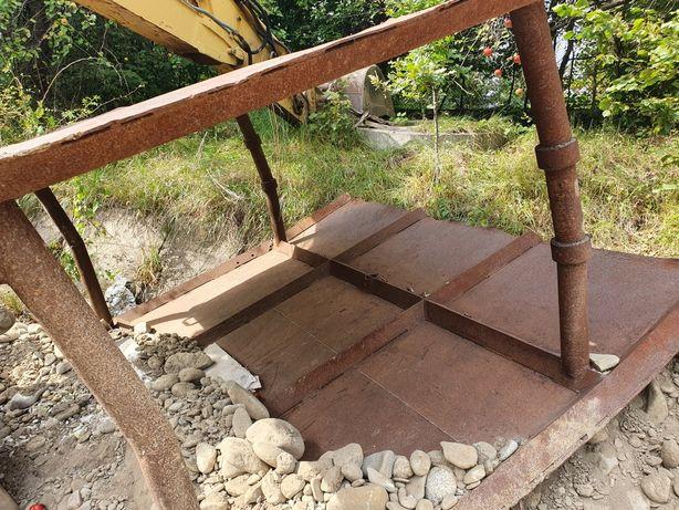 Szalunek do wykopu dołka obudowa zabezpieczenie kanalizacja wodociąg