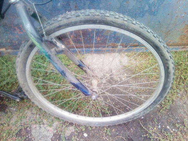 Продам колесо на спортивный велосипед 26