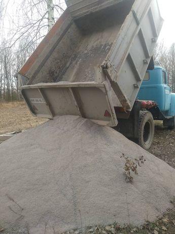 Відсів, щебінь, камінь, пісок, дрова.