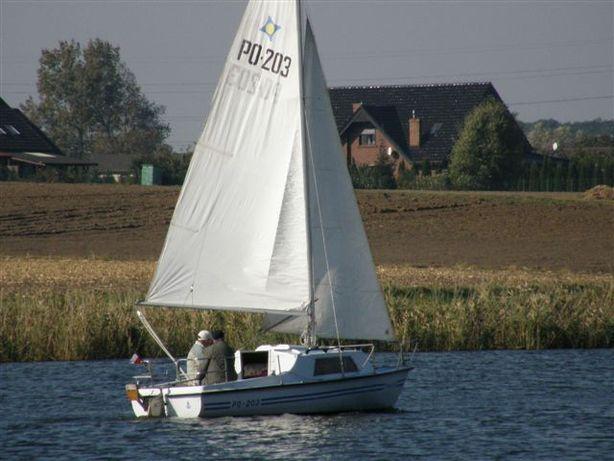 Jacht żaglowy z przyczepą kompletny