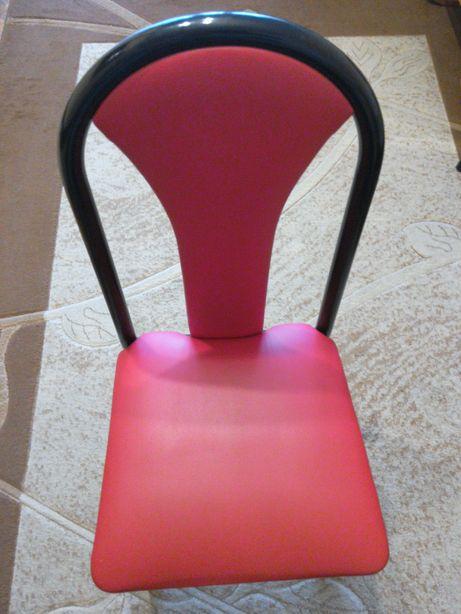 4 krzesla do salonu