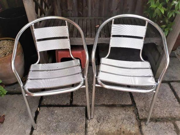15 cadeiras de alumínio