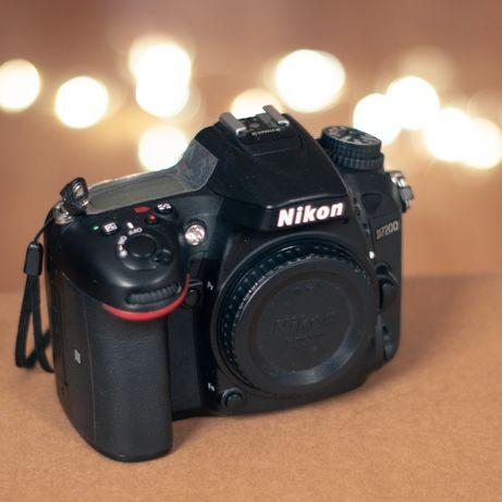 Nikon d7200 + Sigma 18-35 f/1.8 ART + Nikkor 50 f/1.8 + Stroboss 60