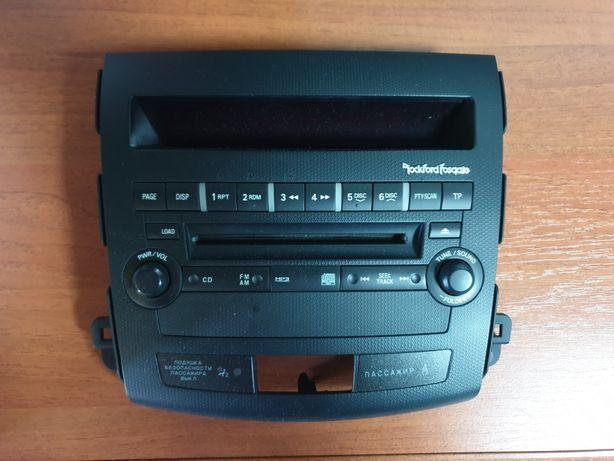 Штатное головное устройство RockFord Fosgate Mitsubishi Outlander XL