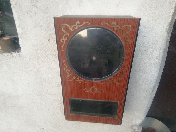 Stara skrzynia do zegara