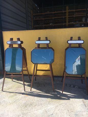 3 Cavaletes de exposição ou pintura