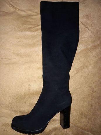 Замшевые черные зимние сапоги на каблуке Loriblu 39.5