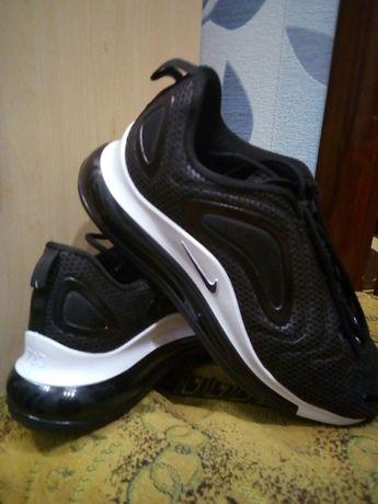 Кросівки Nike Air Max 720 black
