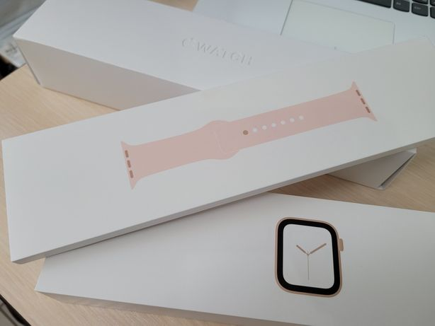 Apple Watch 4 40 mm Gold/Pink Sand Aluminium Case Sport Band