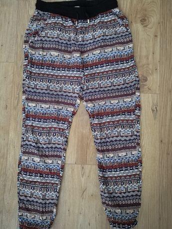 House Nowe spodnie r 34