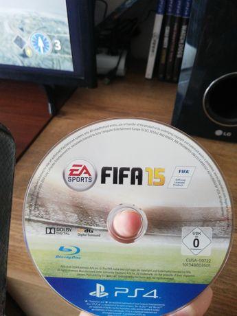 Gra FIFA 15 na PS4