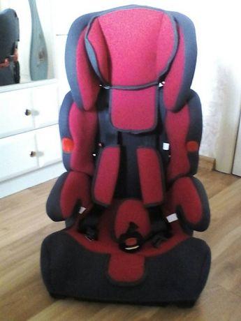 Авто-кресло , столик.