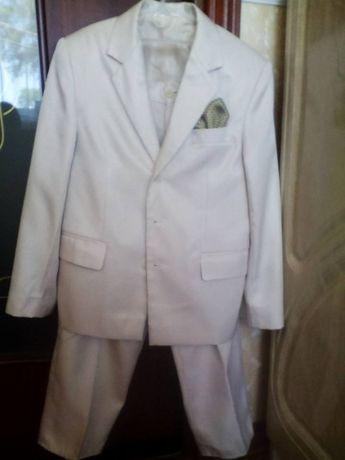 Продам класичний костюм