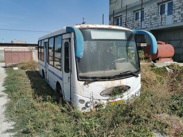 Автобус 2006 год