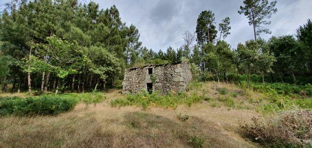 Quintinha com Casa para Reconstrução