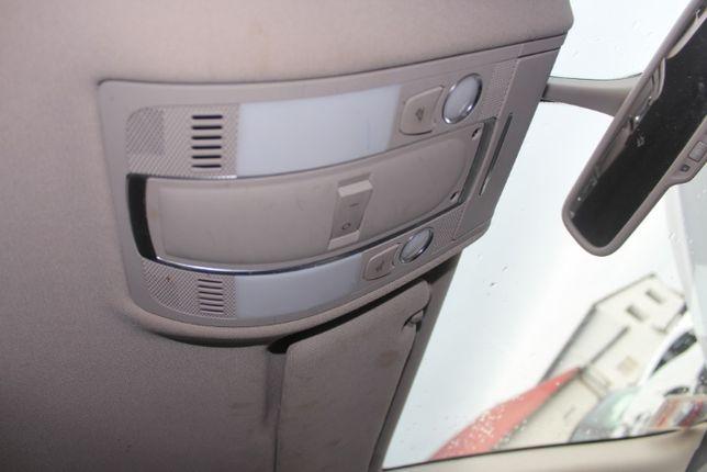 Lampka oświetlenia kabiny Audi Q7 4 L rok 2010