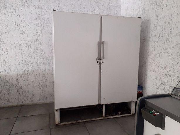 Продам Холодильный шкаф Mawi б/у