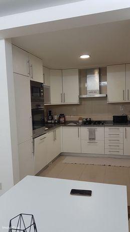 Moderno Apartamento T1 + 1 com Box  em Pinhal de Frades