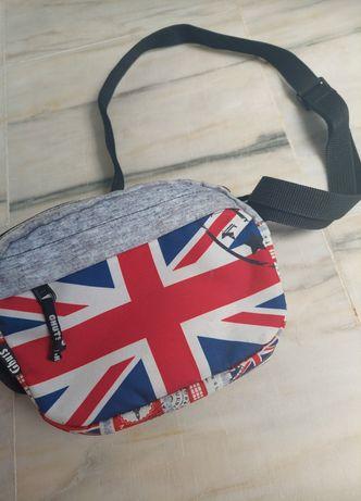 Mala com a bandeira do Reino Unido