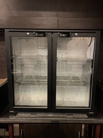 Холодильник витрина барная
