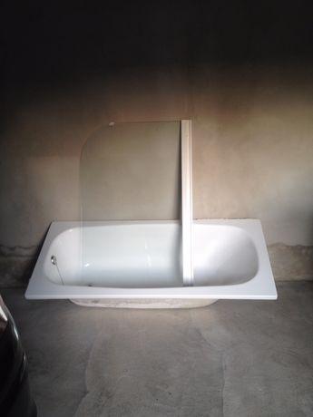 Banheira e resguarde