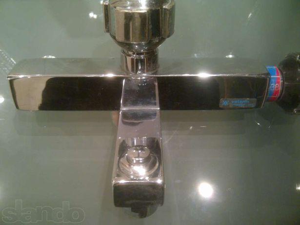 Сместитель кран для ванной и душевой панели. Дания