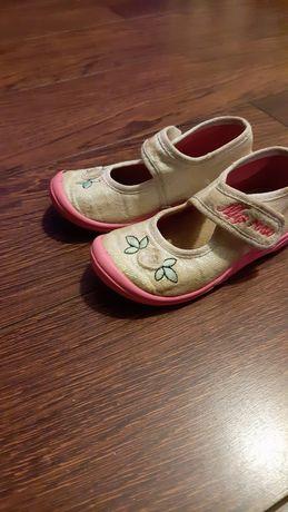 Buciki kapcie buty