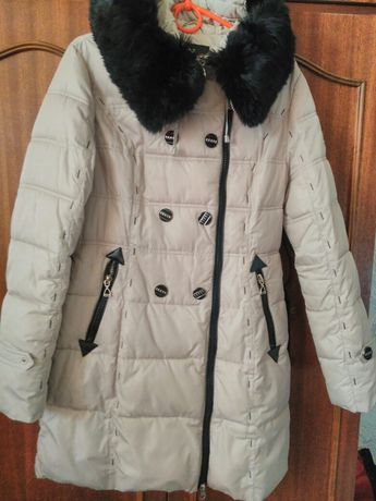 Продам зимнее пальтишко