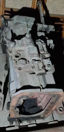 Skrzynia biegów do REMONTU Ursus C385 itp. 4 biegi  Wom.