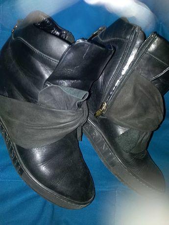 Sneakersy CARINII Roz38 Skóra naturalna Z Kokardką Stan idealny