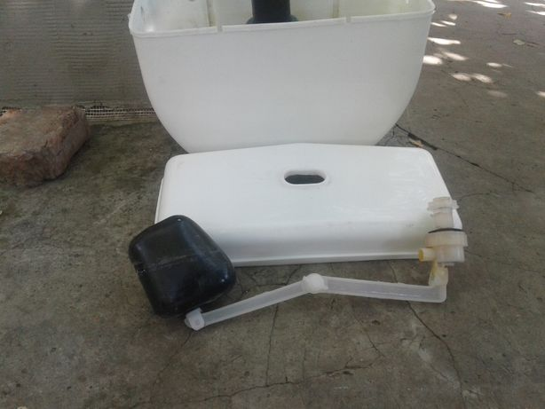 Продам туалетный бочек Б/у
