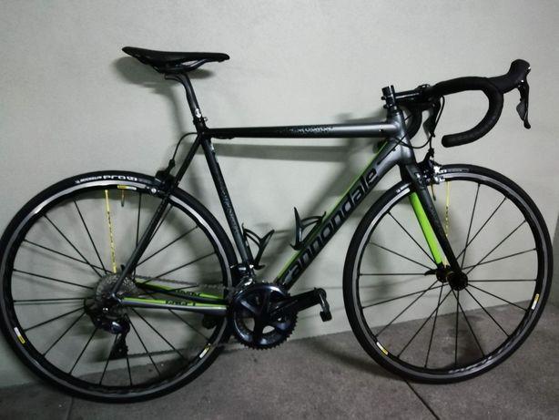 Bicicleta Estrada Cannondale CAAD12 Ultegra