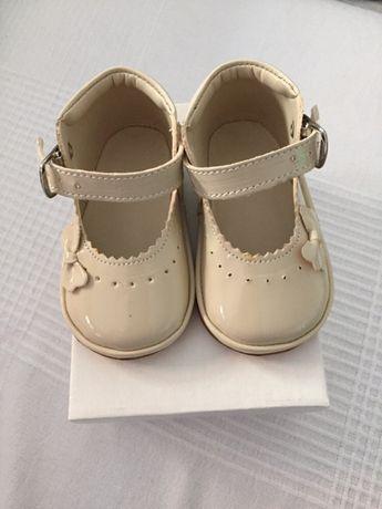 Sapato bebé (menina)