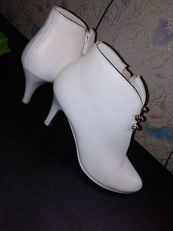 Кожаные ботиночки, сапожки кожа
