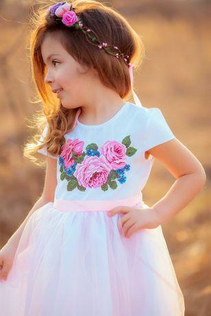 """Плаття вишите для дівчинки """"Ніжні троянди"""""""