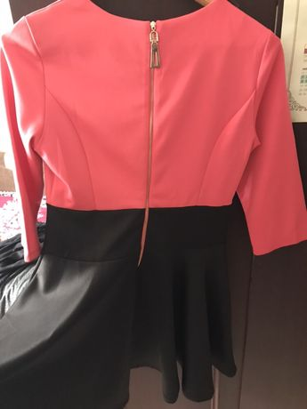 Платье в идеальном состоянии с юбкой солнышко