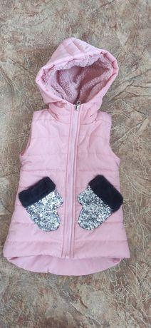 Тёплая жилетка на девочку