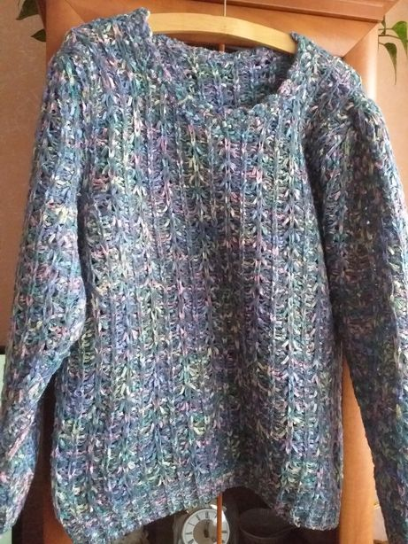 Swetr wielokolorowy ciepły. Darmowa wysyłka