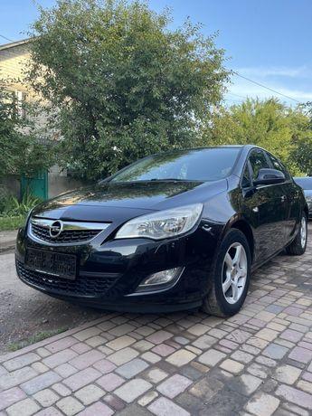 Opel asrta j 2010