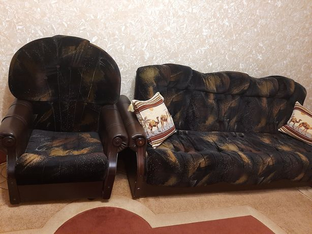 Набор мягкой мебели для гостинной