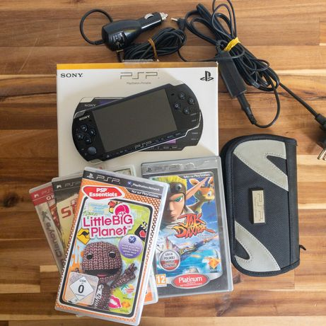 Zestaw PSP 3000 gry pokrowiec ładowarki oryginalny